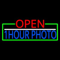 Open 1 Hour Photo With Green Border Neontábla
