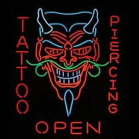 Tattoo Body Piercing Shop OPEN Neontábla